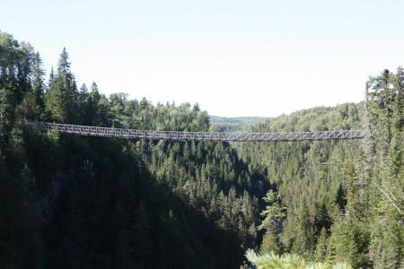 Le Pont Suspendu du Canyon des portes de l'Enfer