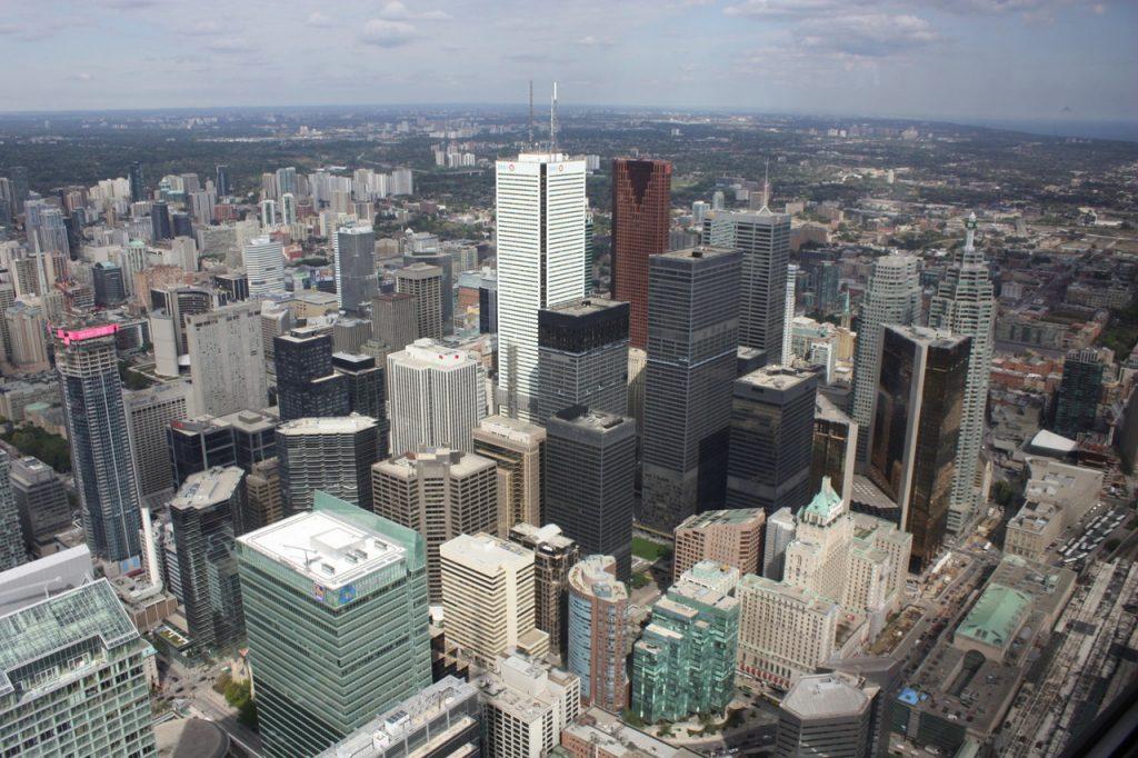 Vue depuis la tour CN de Toronto au Canada