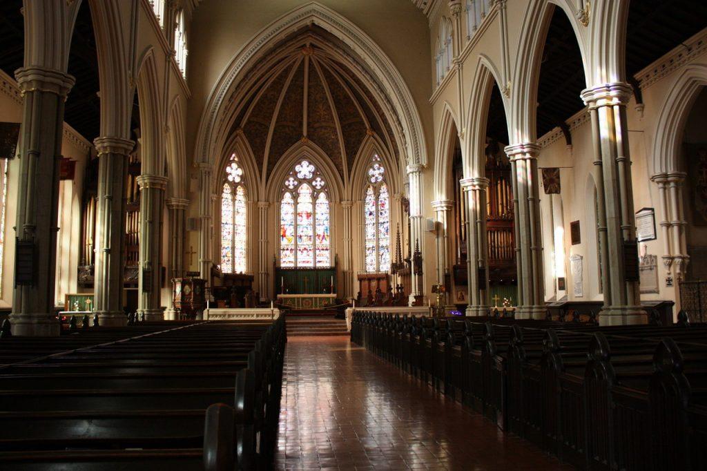 Intérieur de la Cathédrale Saint-Jacques de Toronto au Canada