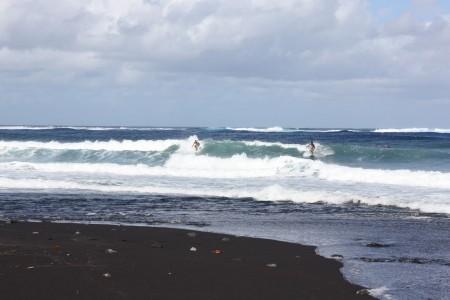 Plage de Taharuu en Polynésie