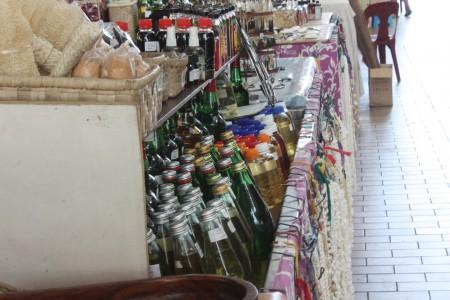 Le marché de Papeete et la vente de Monoï en Polynésie