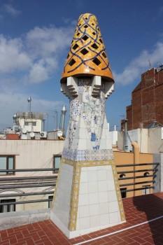 Le toit du Palais Guëll à Barcelone