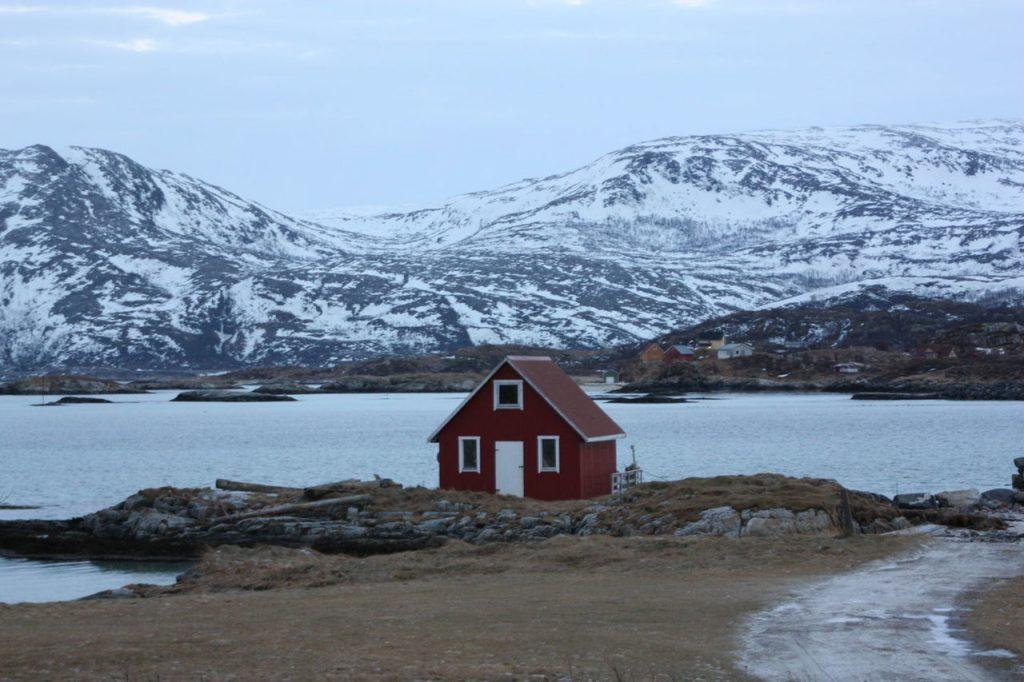 Maison typique à Sommaroy près de Tromso
