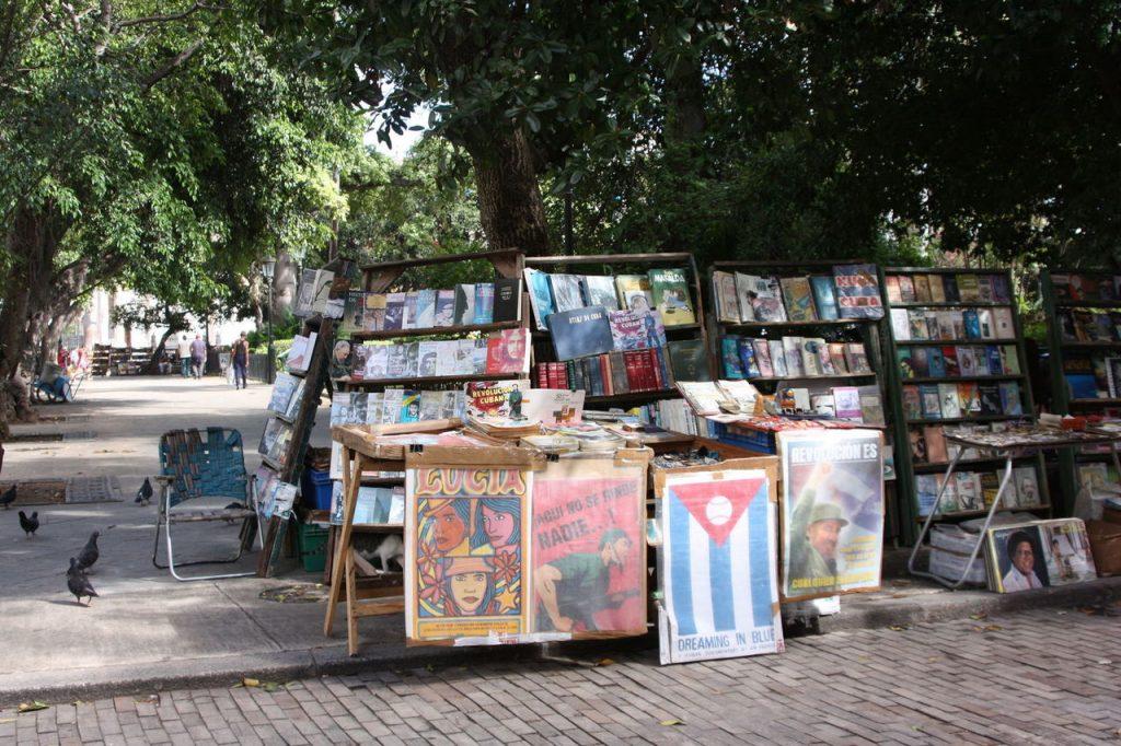 La Plaza de Armas à Cuba