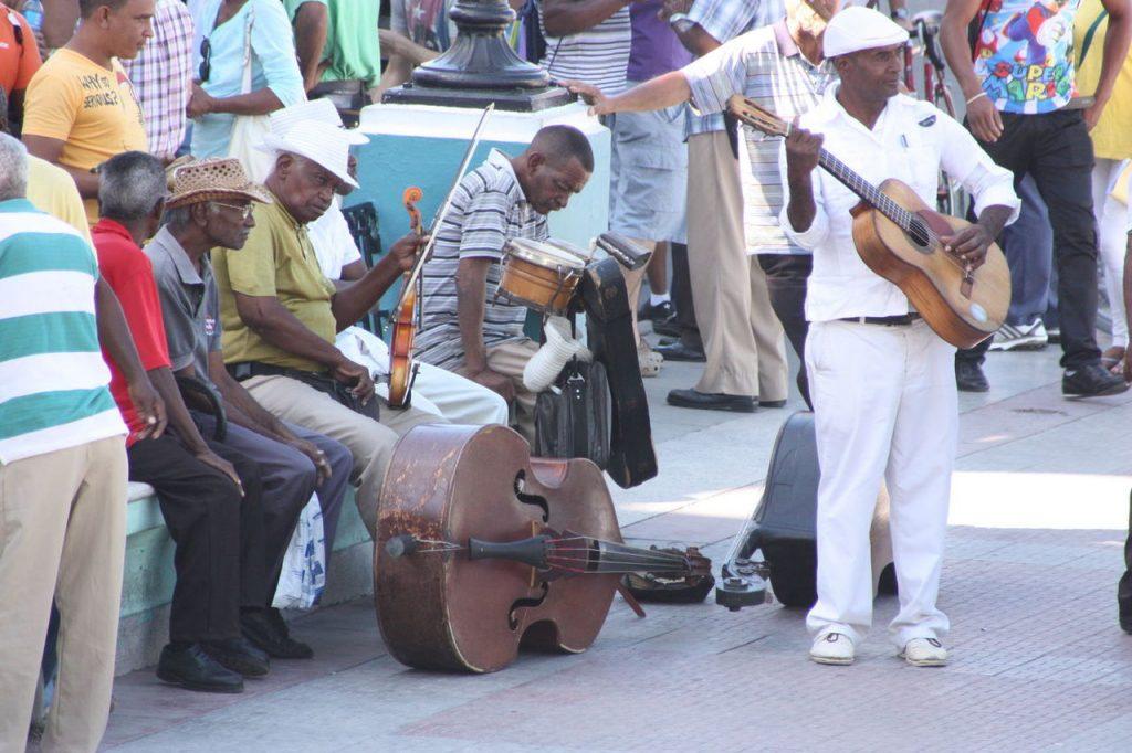 Musiciens du Parque Cespedes de Santiago de Cuba